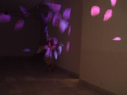 aleksandra-vasovic-rose-petals-art-installation-01